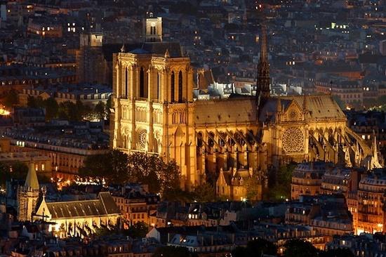 Собор Парижской Богоматери (Нотр-дам де Пари)