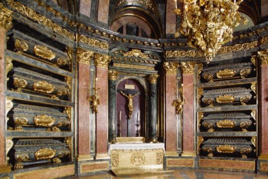 внутри монастыря Эскориал