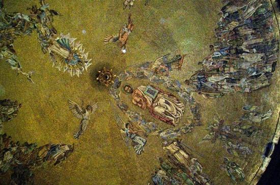 роспись купола базилики в Долине Павших
