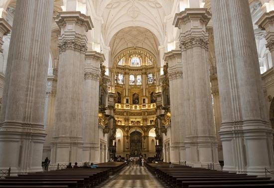 внутри Гранадского собора