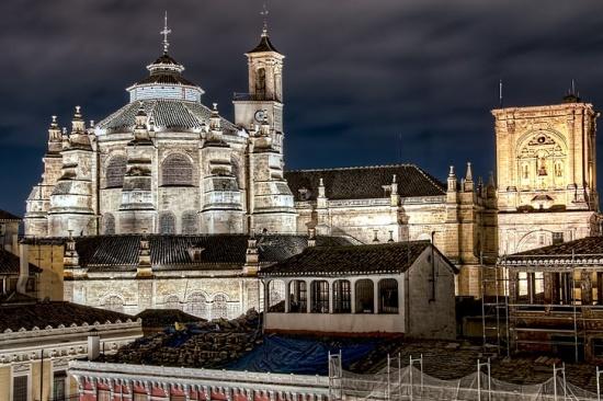 Гранадский собор ночью