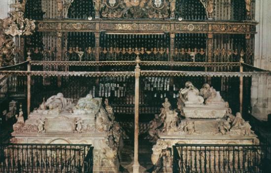 надгробие королей в Королевской капелле в Гранаде