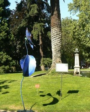 необычная скульптура в Мадридском Ботаническом саду