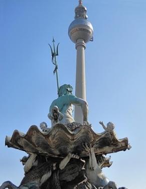 Нептун на троне - Фонтан Нептун в Берлине