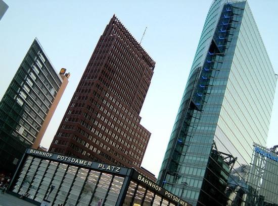 небоскребы на улице Вильгельмштрассе