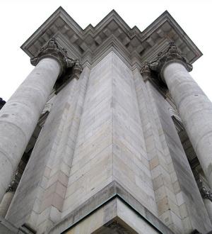 колонны Рехстага в Берлине