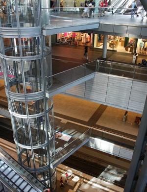 Центральный вокзал Берлина - стеклянный лифт