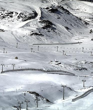 склоны горнолыжного курорта Сьерра-Невада