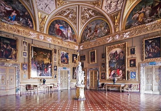 Зал Палаццо Питти