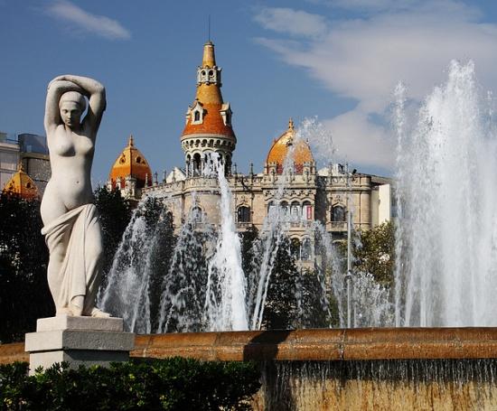 фонтан на Площади Каталонии