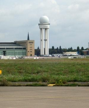 Аэропорт Темпельхоф, центр управления
