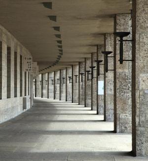 коридоры Олимпийского стадиона в Берлине
