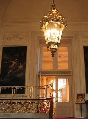 внутри Королевского театра Ковент-Гарден