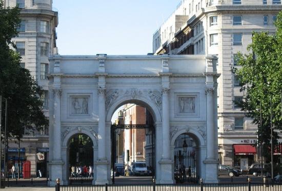Мраморная арка в Лондоне
