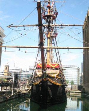 галеон Золотая лань в Лондоне