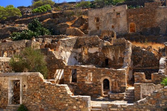 Руины острова Спиналонга на Крите