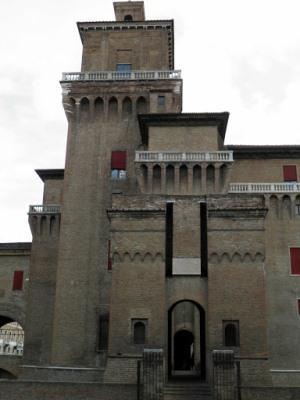 Кастелло Эстенсе в Италии