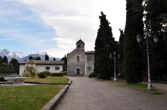 Аббатство Пиона в Италии