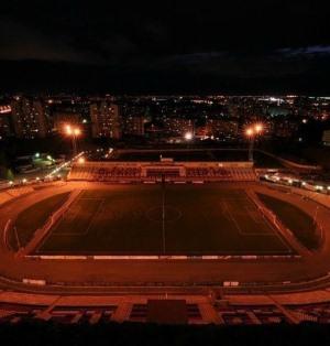 Стадион Звезда ночью