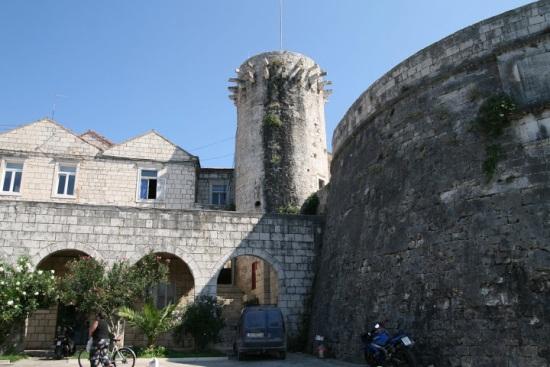 Стены и укрепления города Корчула