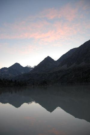 Озеро Дарашколь вечером