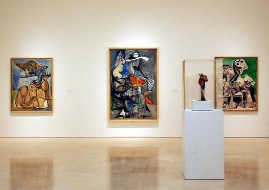 Внутри музея Пикассо в Барселоне
