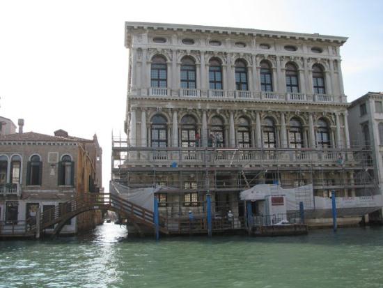 Ка' д'Оро, вид с Гранд канала в Венеции