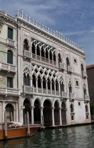 Ка' д'Оро, фасад дворца