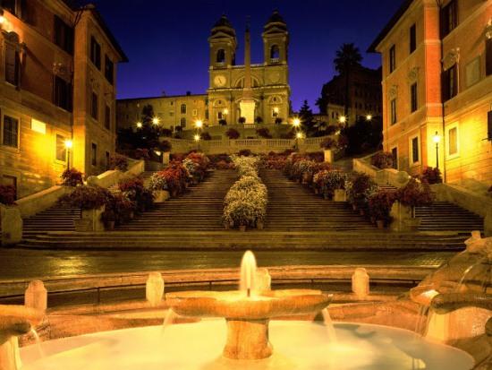 Площадь Испании в Риме ночью
