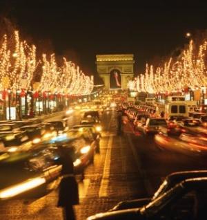 Площадь Шарля де Голля ночью