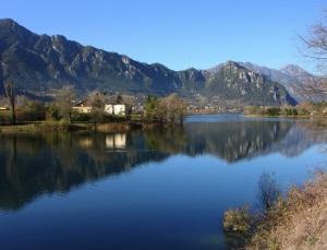 Озеро Идро