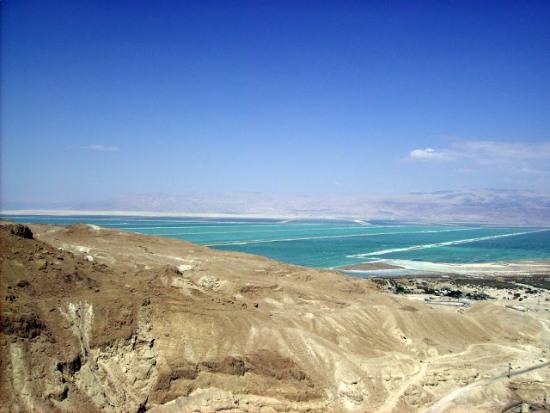 Вид на Мертвое море